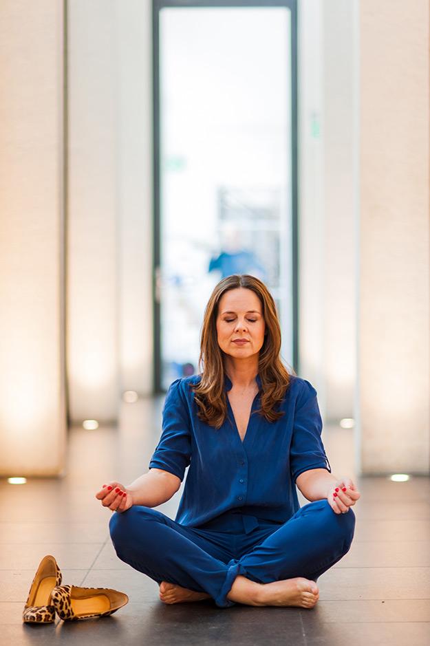 Katja aan het mediteren